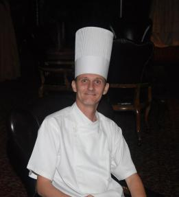 Chef de cocina francesa. Chef ejecutivo del hotel Trump, Panamá.